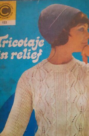 Anca Soimulescu-Ciusca tricotaje in relief